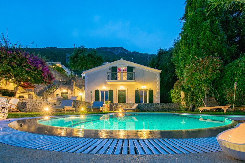 Corfu Beachfront Villa Benele, holiday rental in Dafnata
