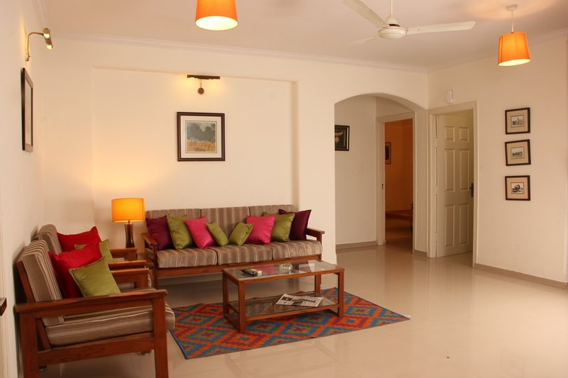 'Jaipur Apartment Stays'-G2 2BHK Balc Private Secluded Central Leafy Civil Lines, vacation rental in Jaipur