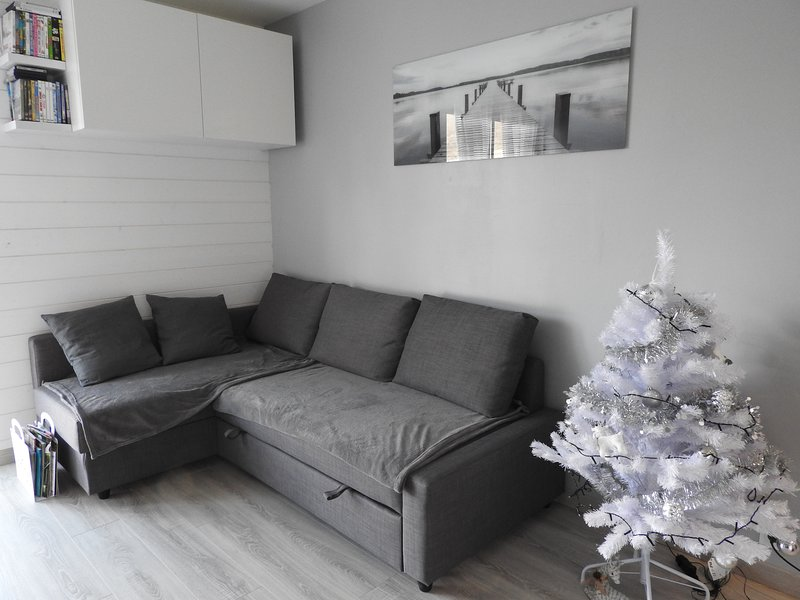 """beautiful functional apartment renovated with the motto """"as at home"""""""