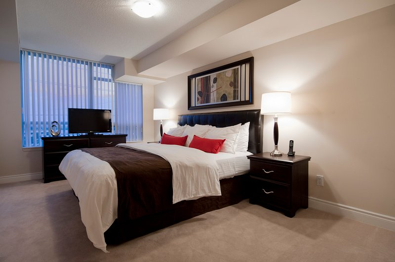 Circa - 2 Bedroom/2 Bathroom Suite, vakantiewoning in Markham