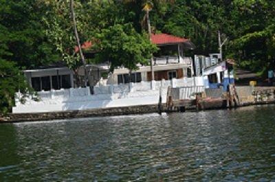 Kadavathu Oru Thoni