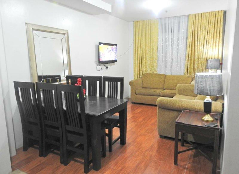 Grand View Residences near Burnham Park (Family room), holiday rental in Rosario
