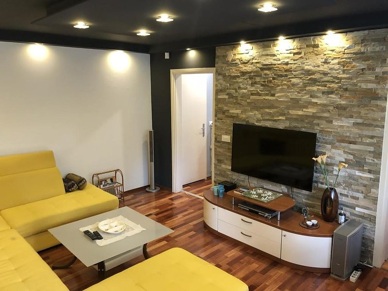 Apartment 8, holiday rental in Semizovac