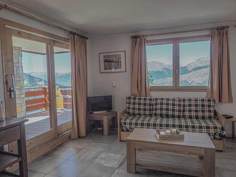 No. 3, Les Epilobes, 5p, stunning views & great location, holiday rental in Peisey-Vallandry