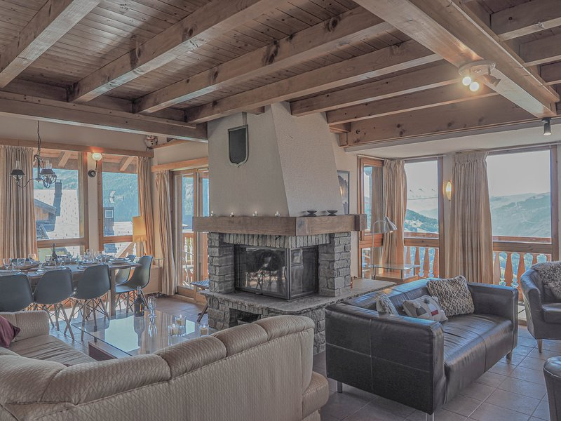 La Couronne is a spacious ski chalet that sleeps 10p over 3 floors, holiday rental in Peisey-Vallandry