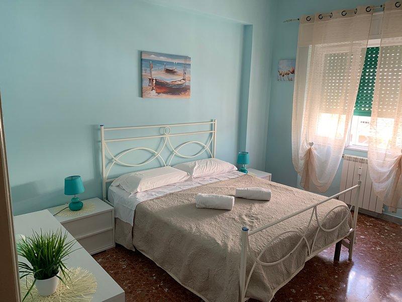 Beautiful apt near the beach & Wifi, location de vacances à Lido di Castel Fusano