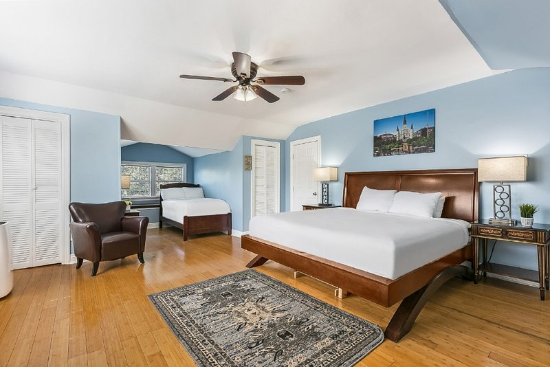 Canal St. Studio Steps to Hot Spots, holiday rental in Metairie
