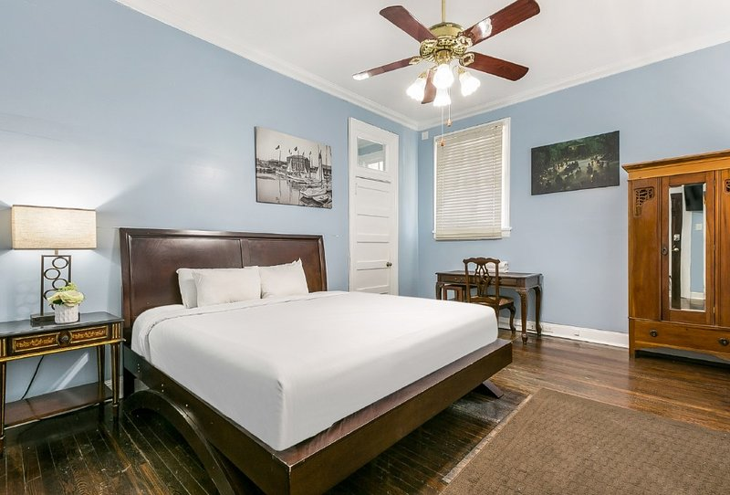 Furnished Studio Steps to NOLA Hot Spots, holiday rental in Metairie
