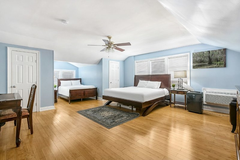 Canal Street Studio Next to City Park, holiday rental in Metairie