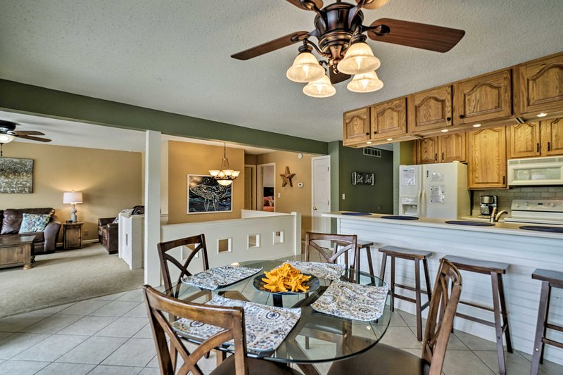 Dining Table | Fully Equipped Kitchen | Breakfast Bar