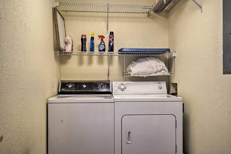 Acompanhe roupas de banho e toalhas de praia sujas durante a sua estadia.