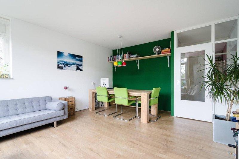Modern apartment close to the city center (64m2) – semesterbostad i Muiden