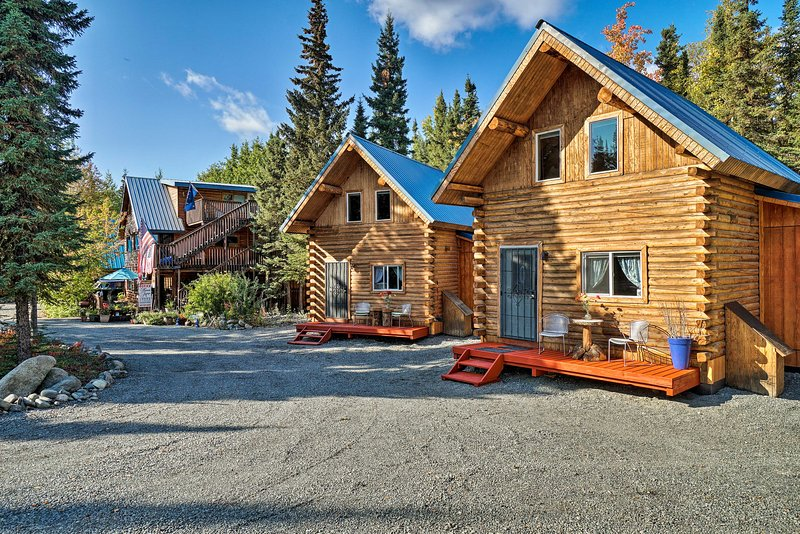Sterling Cabin w/ Fire Pit & Kenai River Views!, aluguéis de temporada em Sterling