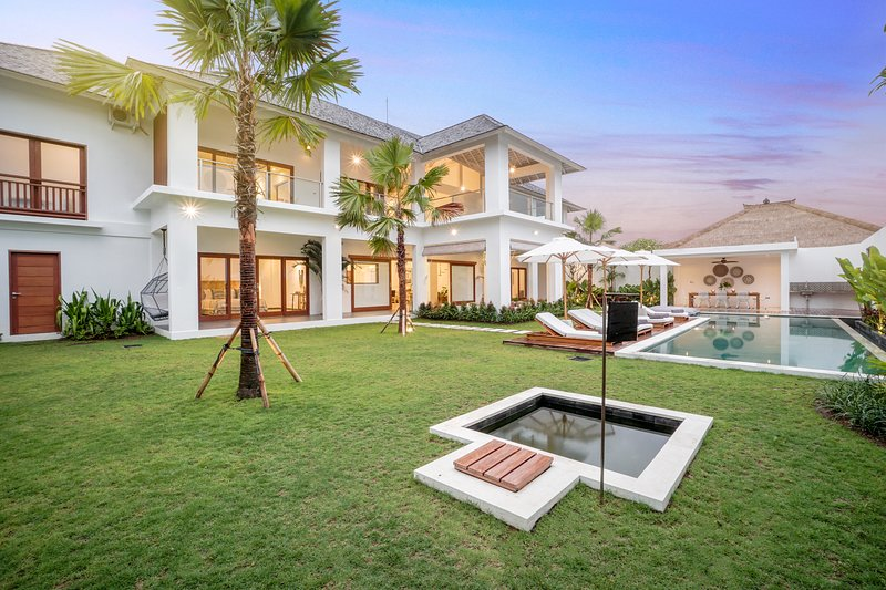 Villa JOJU | Canggu's First & Only Luxury Villa Designed for Young Families, holiday rental in Tanah Lot