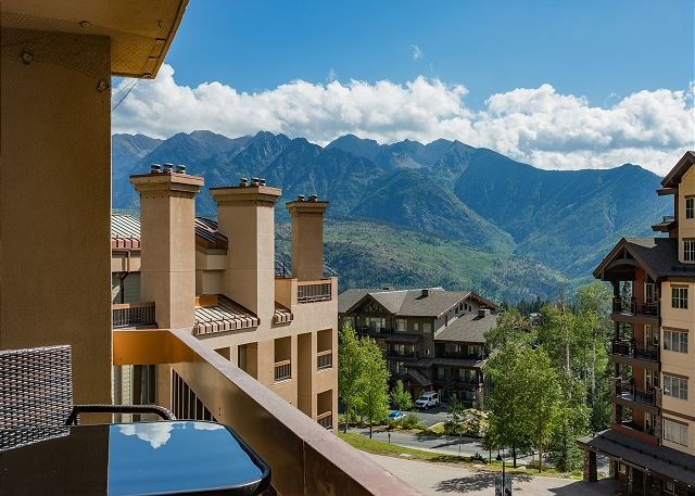 Affordable Ski in/Ski Out Condo - Corner Unit, holiday rental in Durango