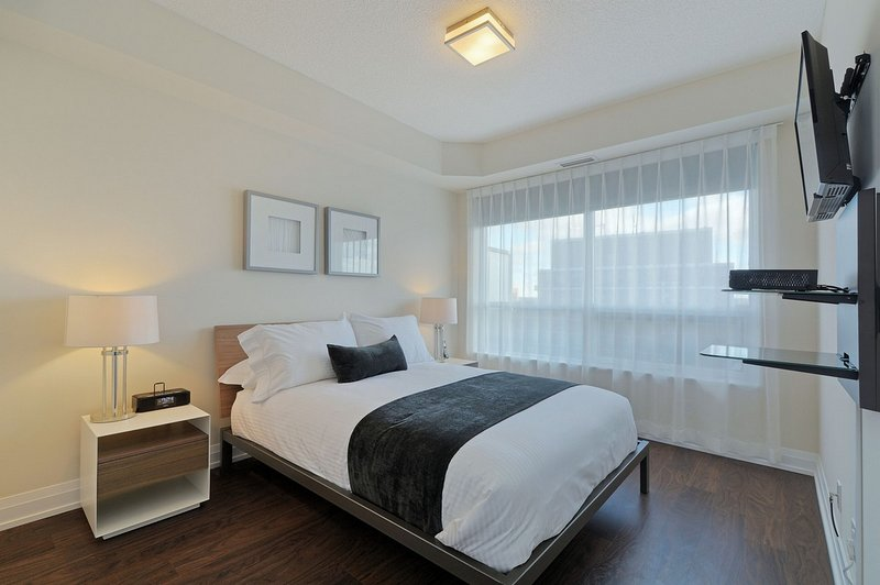 Hullmark - 2 Bedroom/2 Bathroom Suite, vacation rental in Markham