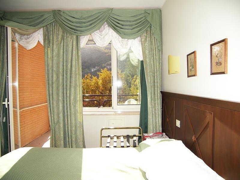 Villa Des Reves nel verde vicino a Montecassino, holiday rental in Sant'Elia Fiumerapido