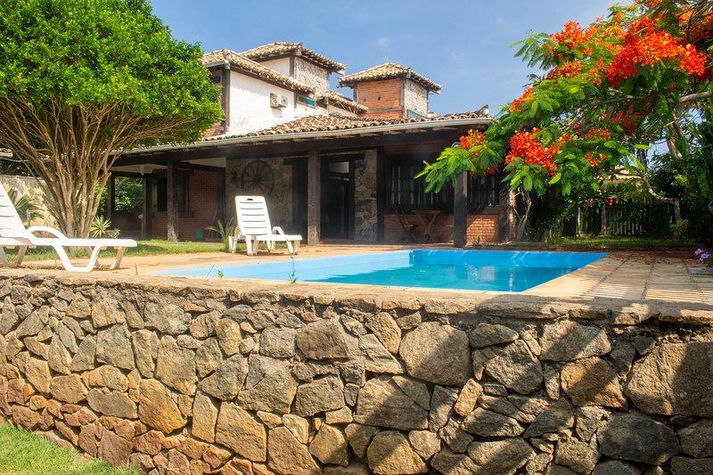 Charmosa rustica casa, 200 m da praia, alquiler vacacional en Búzios