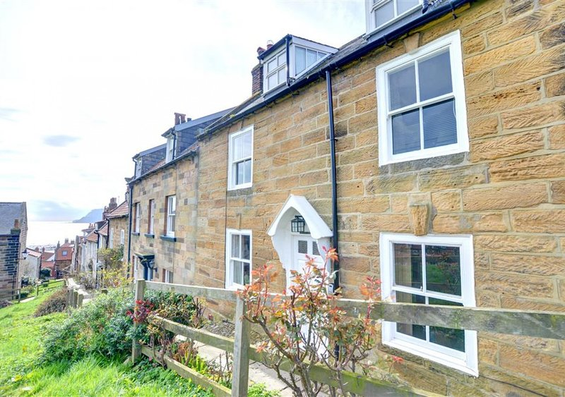 Hillside, holiday rental in Robin Hood's Bay