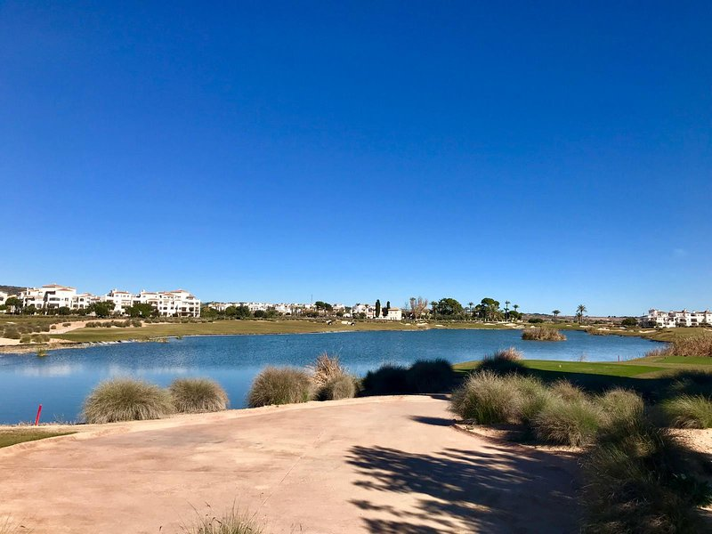 2 Bedroom apartment with beautiful views of golf course and pool, holiday rental in La Tercia