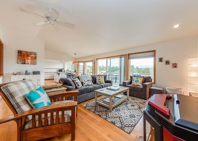 SEA ESTA~NEW LISTING Spectacular home with great game room!, alquiler de vacaciones en Nehalem