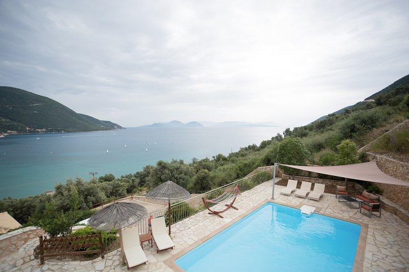 Ponti Villa Sleeps 6 with Pool and Air Con - 5813724, aluguéis de temporada em Ponti Agiou Petrou