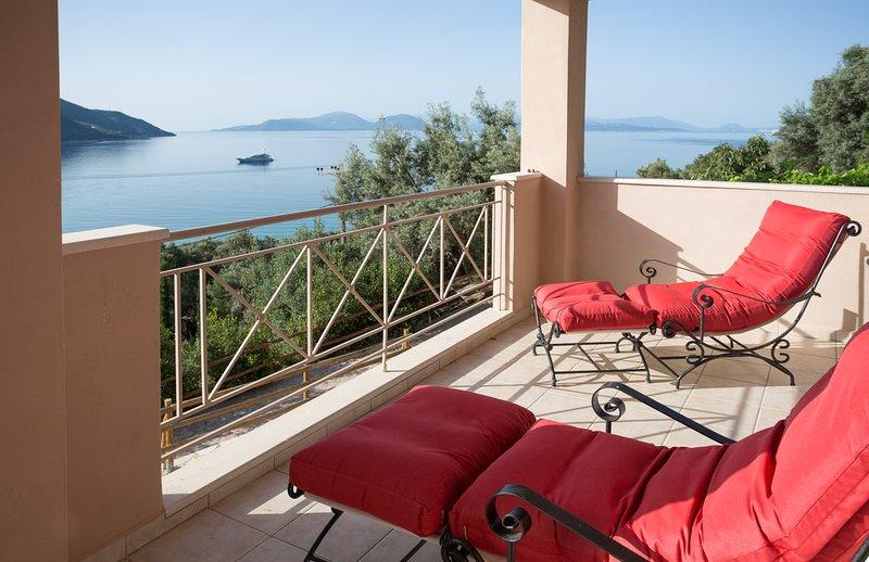 Ponti Villa Sleeps 6 with Pool and Air Con - 5813725, aluguéis de temporada em Ponti Agiou Petrou