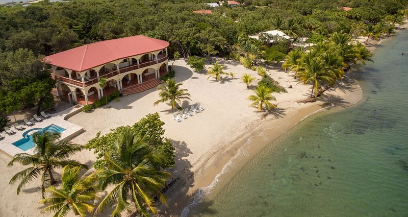 Villa Ranguana - the Ultimate in Beachfront Luxury, vacation rental in Seine Bight Village
