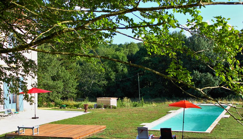 Douville Chateau Sleeps 12 with Pool - 5813733, vacation rental in Douville