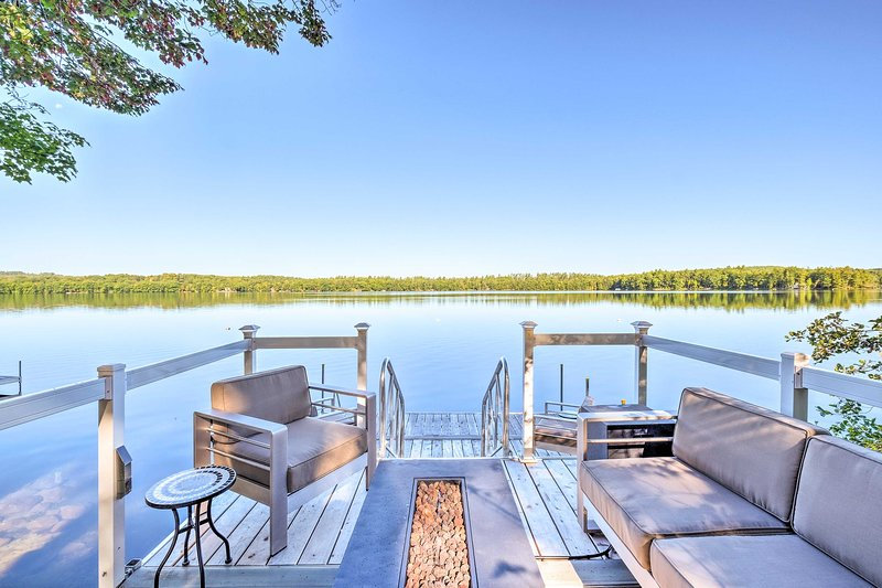 Cozy Cottage on Maranacook Lake w/ Updated Dock!, vacation rental in Winthrop
