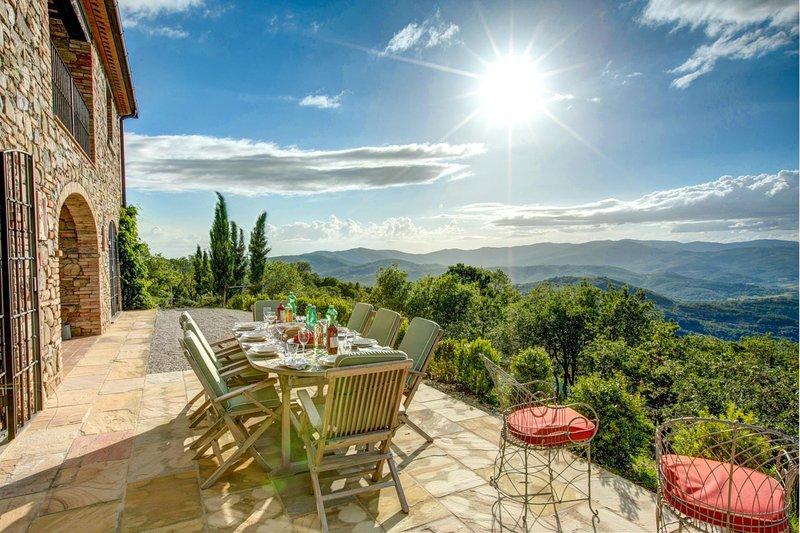 Preggio Villa Sleeps 8 with Pool and WiFi - 5604869, location de vacances à Preggio
