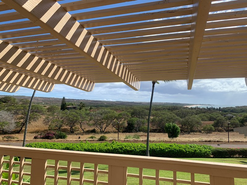 Enjoy the the Beautiful Ocean View from your Large Lanai (Balcony)
