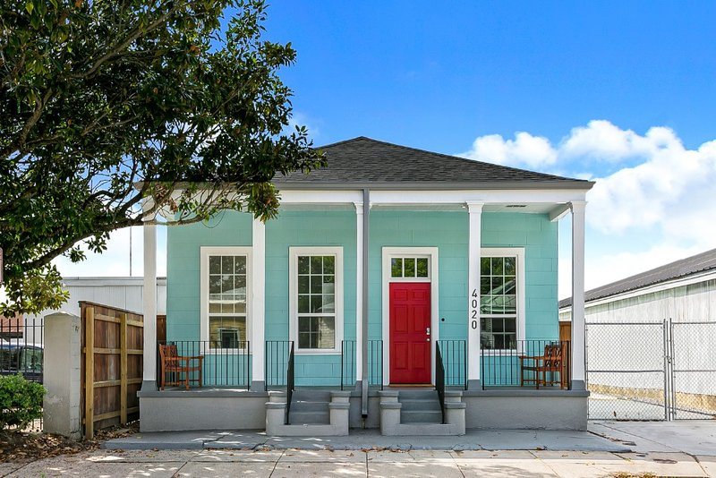 Spacious 5BR Near Magazine St & Uptown, vacation rental in Marrero