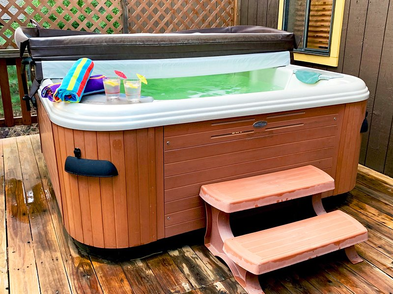 Enjoy the hot tub. Tip: look at the stars and enjoy the quit ambiance of the outdoors.