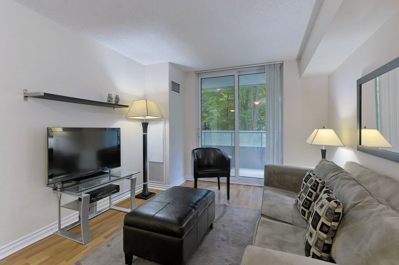 Forest Vista - 1 Bedroom/1 Bathroom Suite, holiday rental in Richmond Hill