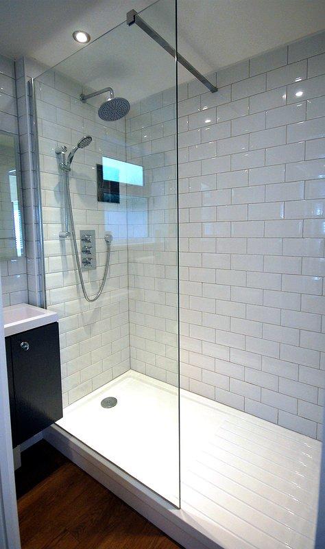 Wet room- Full size walk in shower