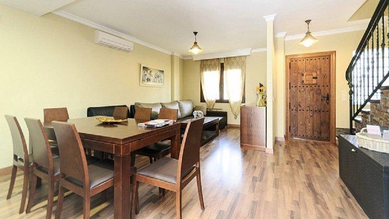 El Castillejo- CASAS RURALES MEDINA a 6km. Granada ( 3 casas), holiday rental in Colomera