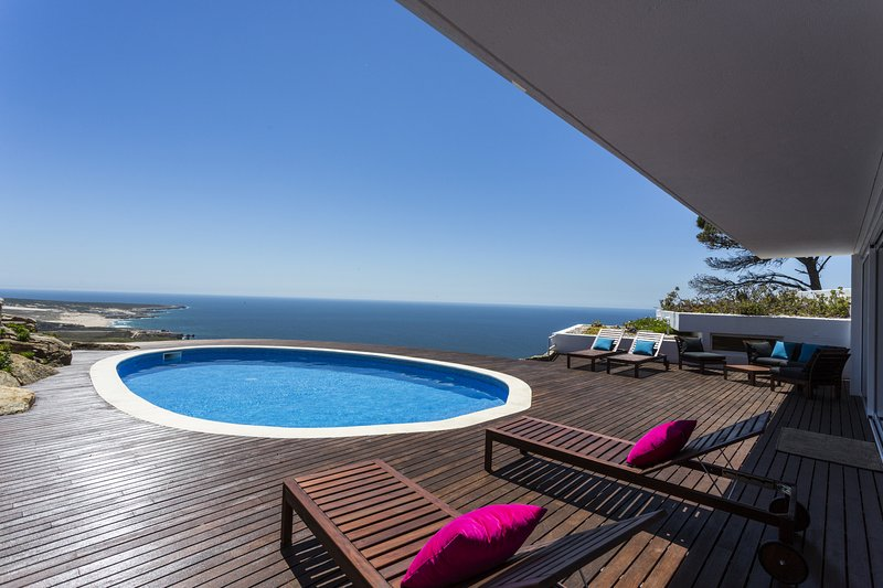 Biscaia Ocean Villa by The Getaway Collection, holiday rental in Malveira da Serra