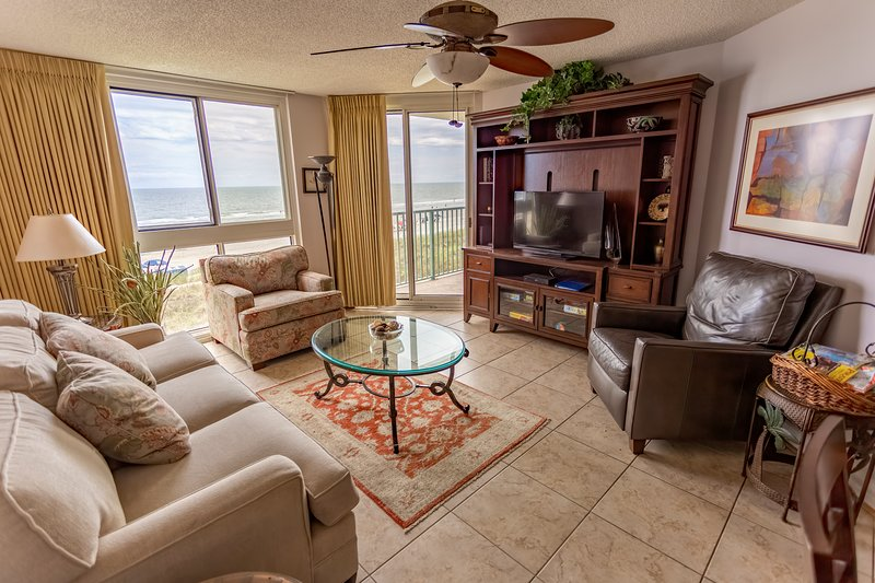 Direct ocean front 3 bedroom condo in North Myrtle Beach., vacation rental in North Myrtle Beach