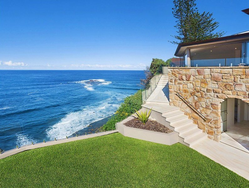 The Lighthouse - Newport, NSW, holiday rental in Bilgola