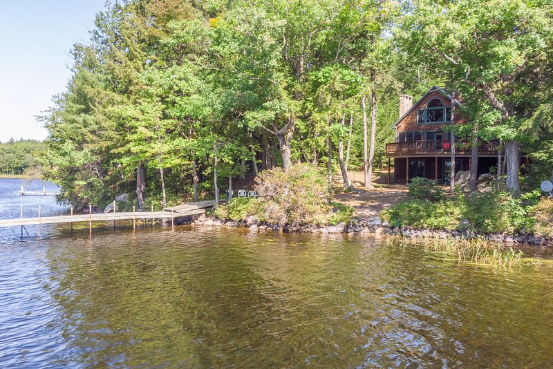 Lake Winni - WF - 518, vacation rental in Moultonborough