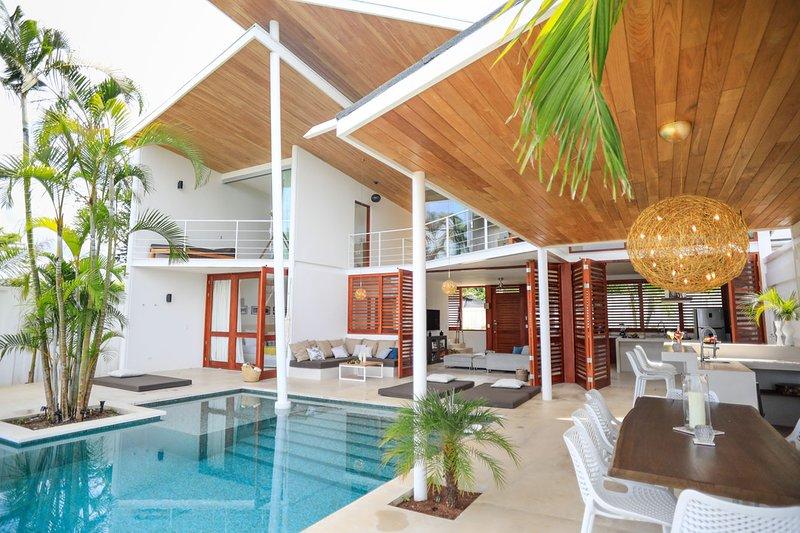 Casa Noa by Night: Luxury & Nature in Santa Teresa, vacation rental in Santa Teresa