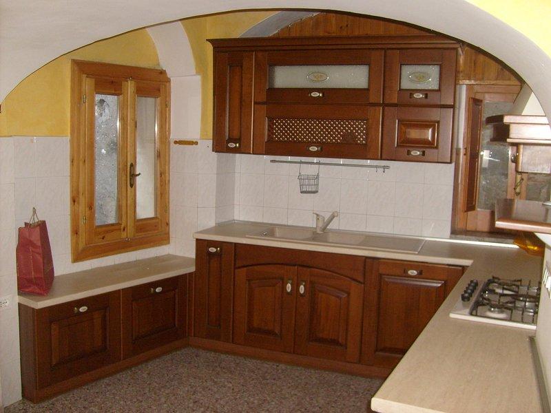 Casa Vacanza ANGOLO imPERFETTO, holiday rental in San Salvatore Telesino