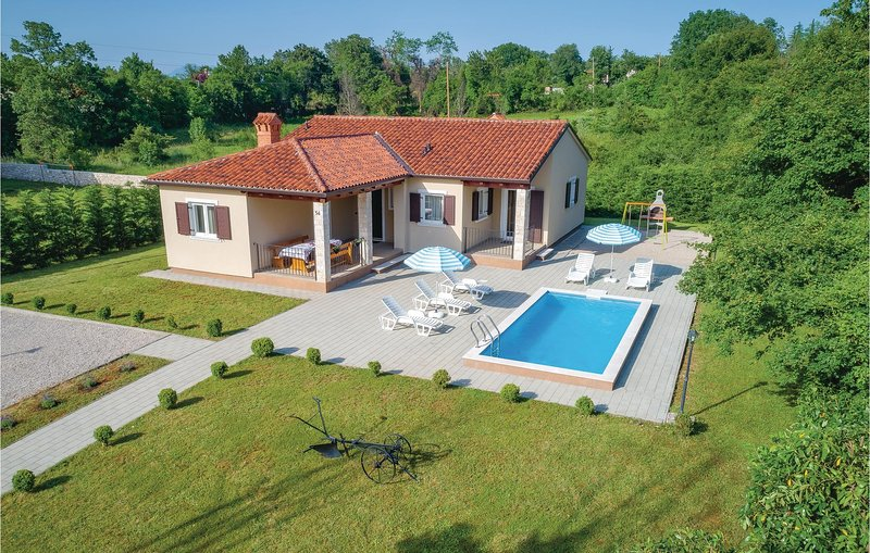 Stunning home in Labin with WiFi and 3 Bedrooms (CIK633), holiday rental in Sveti Bartol