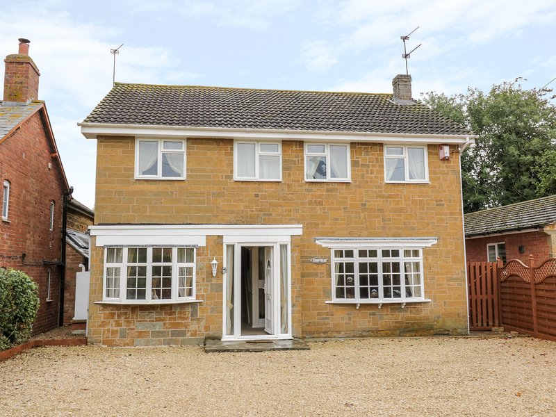 Croftside, Knightcote, holiday rental in Kineton