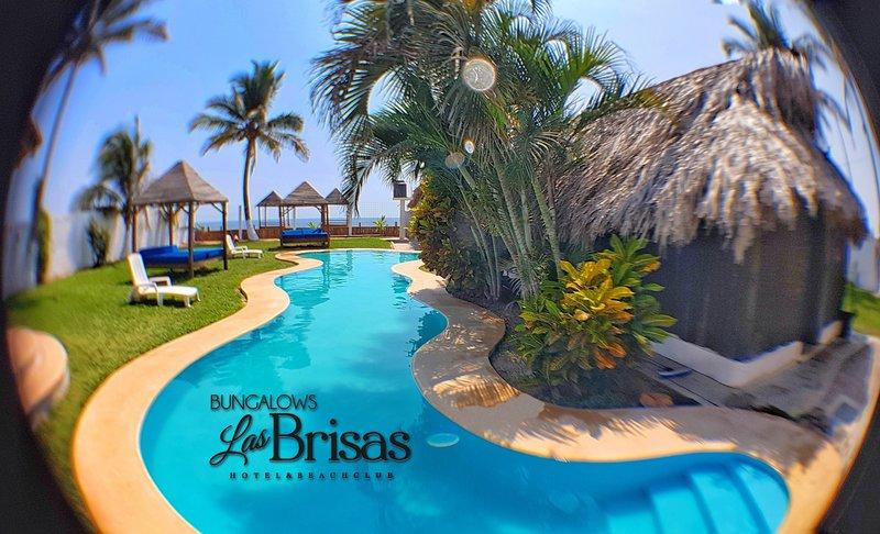 Eco Hotel Bungalows Las Brisas. Bungaows A/A Kitchen., casa vacanza a Colonia Luces en el Mar