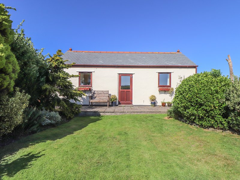 Bowling Green Cottage, Camborne, vacation rental in Carnmenellis