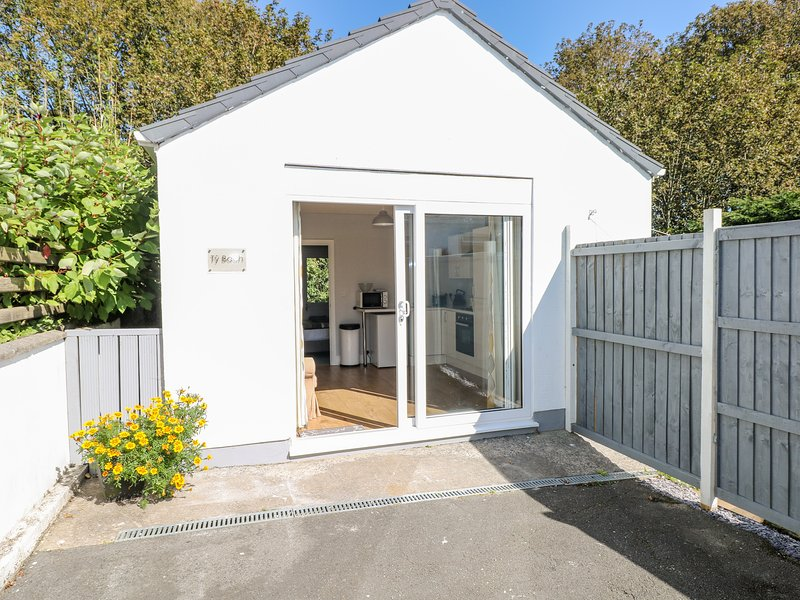 Ty Bach Twt, Saundersfoot, holiday rental in Cresselly
