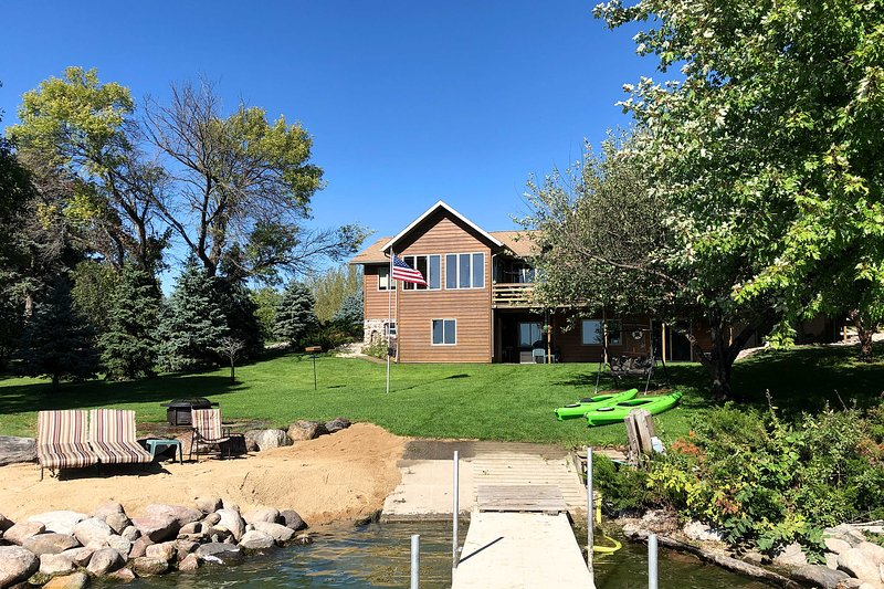 Waterfront Big Stone Lake Home w/Dock & Views, vacation rental in Big Stone City