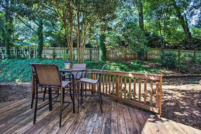 Cenate all'aperto nel cortile privato.